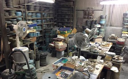 倉庫内の廃棄物処分